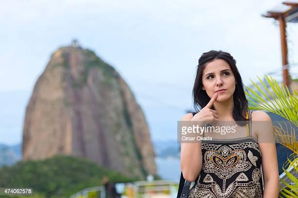 menina pensando brasileiro - pão de açúcar - fotografias e filmes do acervo