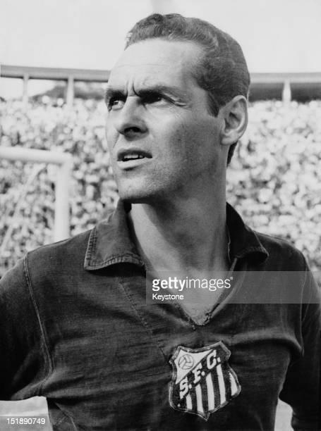 Brazilian goalkeeper Gylmar dos Santos Neves, aka Gilmar of Santos FC, Brazil, circa 1965.