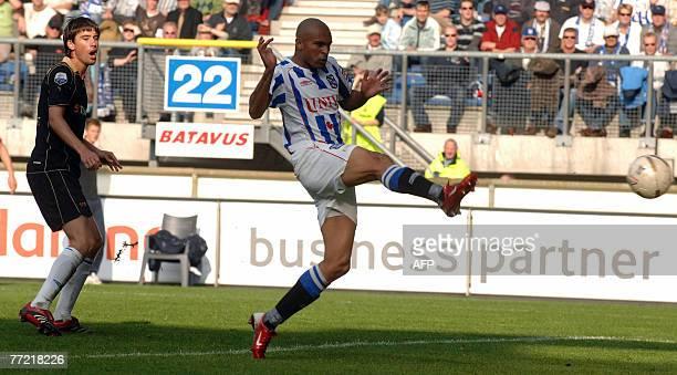 Brazilian international striker Afonso Alves of Heerenveen is on his way to score his seventh goal vs Herakles Almelo in the Dutch League One...