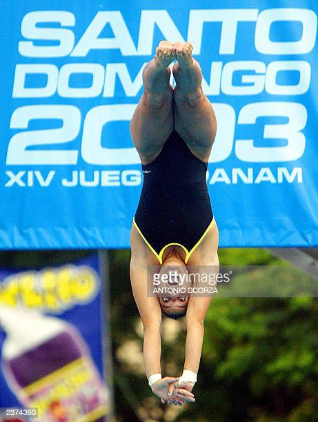 Brazilian Juliana Veloso performs during the Women's 10m platform diving event 06 August 2003in the 2003 Pan Am Games in Santo Domingo Dominican...