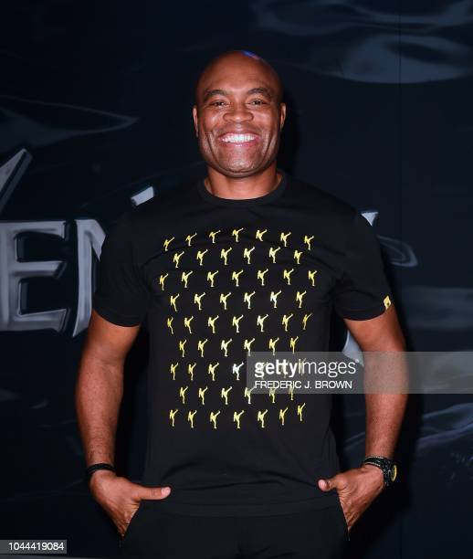 Brazilian mixed martial artist Anderson Silva arrives for the premiere of 'Venom' at the Regency Village theatre in Westwood California on October 1...