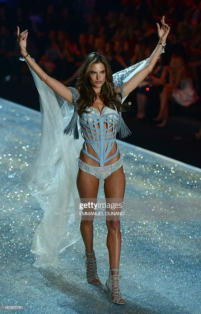 Brazilian model Alessandra Ambrosio performs during the 2013 Victoria's Secret Fashion Show at the Lexington Avenue Armory on November 13, 2013 in New York. AFP PHOTO/Emmanuel Dunand