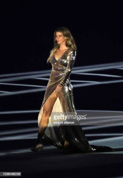 Brazilian model Gisele Buendchen attends the opening ceremony of the Rio 2016 Olympic Games at the Maracana stadium in Rio de Janeiro, Brazil, 5...