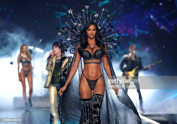 Brazilian model Lais Ribeiro walks the runway at the 2018 Victoria's Secret Fashion Show on November 8 2018 at Pier 94 in New York City Every year...