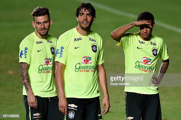 Brazilian players Douglas Costa Kaka and Neymar Junior take part in a training session at the Pituaçu stadium on the eve of the 2018 FIFA World Cup...