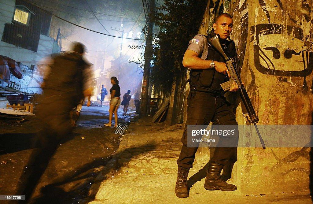 Shootings Break Out in Pacified Favela Near Copacabana Beach : News Photo