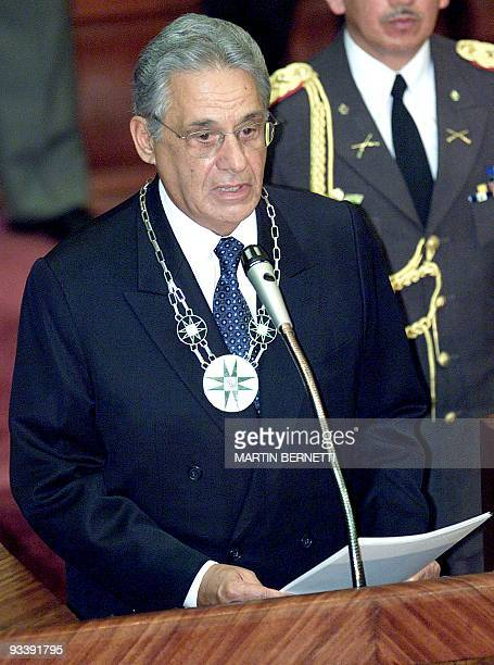 Brazilian President Fernando Henrique Cardoso speaks in front of congress in Quito, Ecuador 01 October 2001. El presidente del Brasil, Fernando...