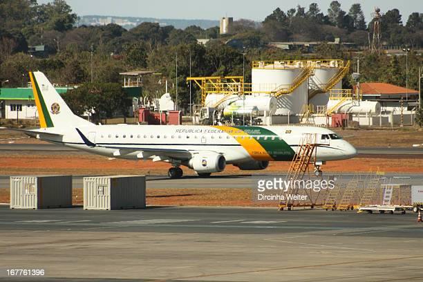 CONTENT] Brazilian presidential plane taxiing in Brasília International Airport Avião presidencial brasileiro A319