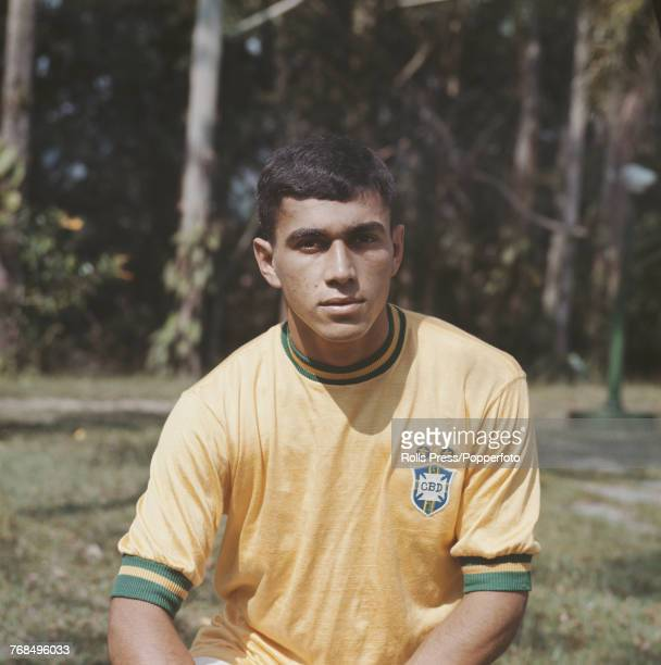 Brazilian professional footballer Santos player and midfielder with the Brazil national football team Clodoaldo posed in 1970 Clodoaldo would go on...