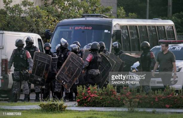 Brazilian riot police prepare to invade the Puraquequara Prison facility at Bela Vista community Puraquequara neighborhood at the city of Manaus...