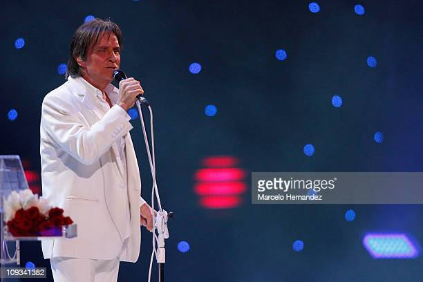 Brazilian Singer Roberto Carlos performs during the 52th International Song Festival on February 21 2011 in Vina Del Mar Chile