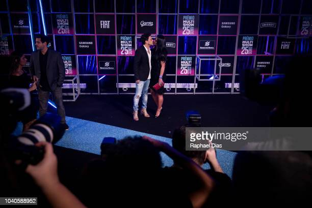 Brazilian singer Zeze Di Camargo and his wife attend to the 2018 Multishow Awards at Rio Olympic Arena on September 25 2018 in Rio de Janeiro Brazil