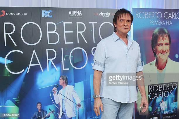 Brazilian singersongwriter Roberto Carlos attends a press conference to promote his album Primera Fila and his Latin America tour at Hyatt Regency...