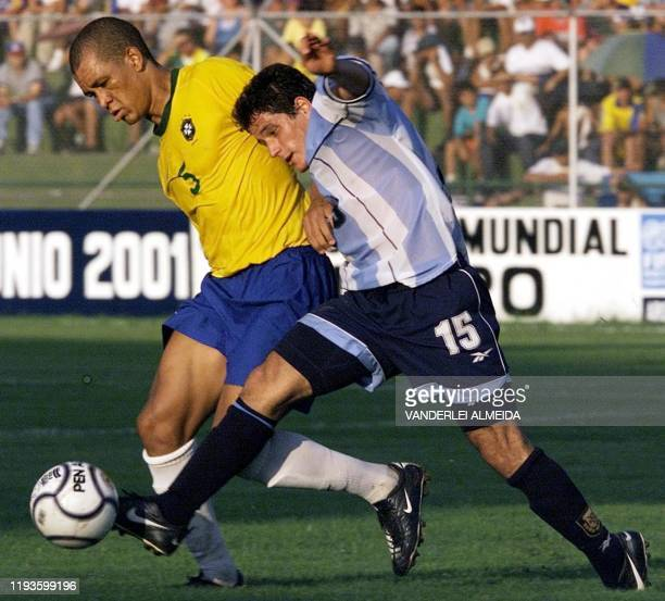 Brazilian soccer player Eduardo Nascimento and Diego Rivero of Argentina fight for the ball during a match on 28 January 2001 at the South American...