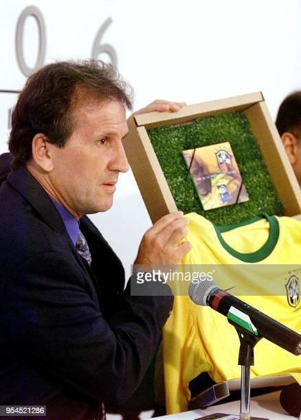 Brazilian soccer star, Arthur Antunes Coimbra, also known as Zico, exhibitied a promotional kit, 08 May 2000 in Rio de Janeiro, Brazil. El astro del...
