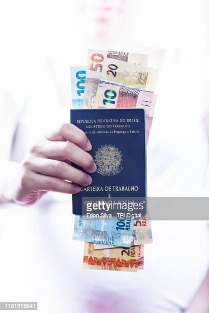 brazilian social security and work permit - trabalho e emprego stock pictures, royalty-free photos & images