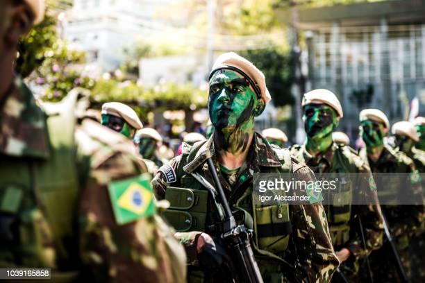 soldados brasileiros camuflados - independência - fotografias e filmes do acervo