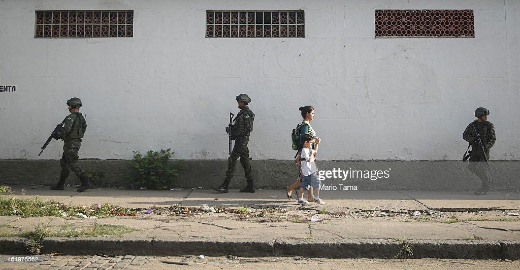 Rio slum occupied ahead of Cup | Elle News post