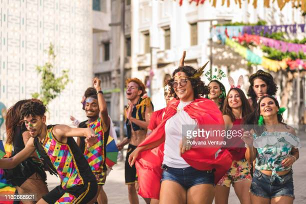 brazilian street carnival - parade stock pictures, royalty-free photos & images