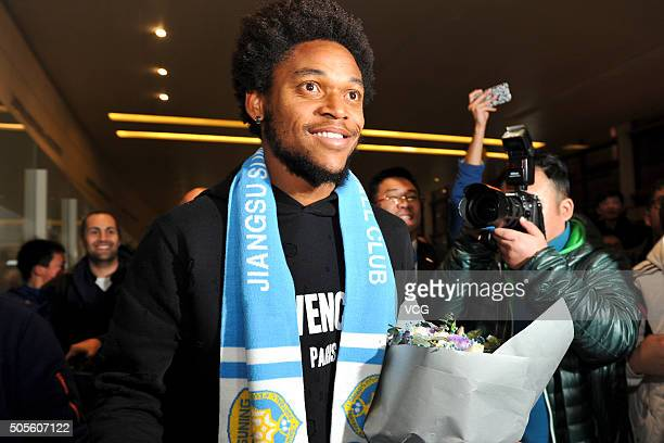 Brazilian striker Luiz Adriano arrives at Nanjing Lukou International Airport on January 18 2016 in Nanjing China Luiz Adriano will sign a contract...