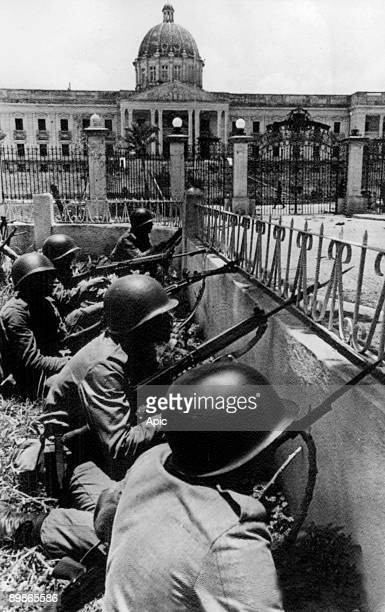 Brazilian troops under the oas command take up defensive positions at the national palace in Santo Domingo in Dominican Republic - Junta forces still...