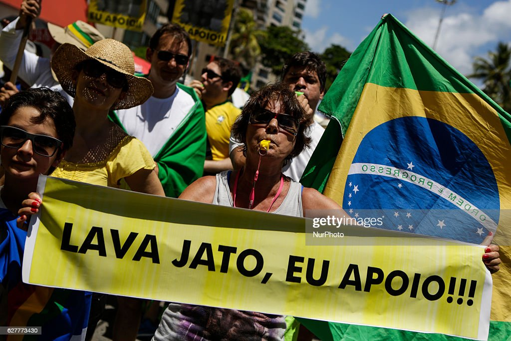 Brazilians Protest Against Corruption : Nachrichtenfoto