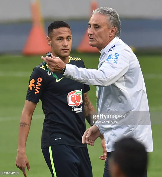 Brazil's coach Tite during a training in Lima on November 14 2016 ahead of their WC 2018 qualifier against Peru / AFP / LUKA GONZALES