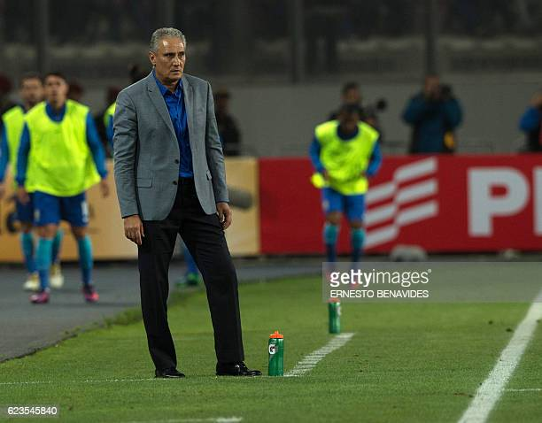 Brazil's coach Tite gestures during their 2018 FIFA World Cup qualifier football match in Lima on November 15 2016 / AFP / Ernesto BENAVIDES