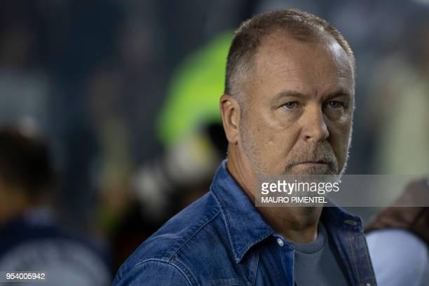 Brazil's Cruzeiro head coach Mano Menezes gestures during the Copa Libertadores 2018 football match against Brazil's Vasco da Gama at Sao Januario...