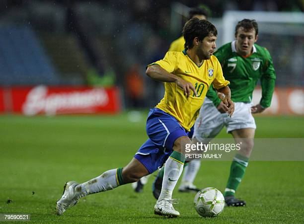 Brazil's Diego Ribas gets past Ireland's Aiden McGeady on February 6 2008 during an International match in Dublin Ireland AFP PHOTO/ Peter Muhly