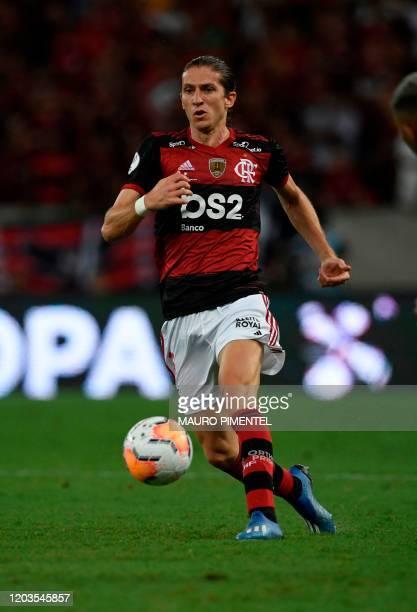 Brazil's Flamengo defender Filipe Luis controls the ball during the Recopa Sudamericana 2020 final football match against Ecuador's Independiente del...