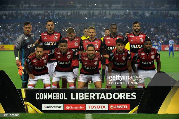 Brazil´s Flamengo players pose before their Copa Libertadores 2018 football match at George Capwell stadium in Guayaquil Ecuador on March 14 2018 /...