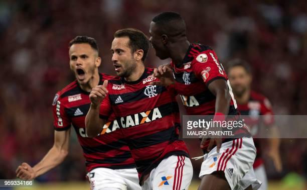 Brazil's Flamengo team player Everton Ribeiro celebrates with teammates after scoring against Ecuador's Emelec during their Copa Libertadores 2018...