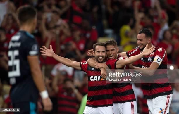Brazil's Flamengo team player Everton Ribeiro celebrates with teammates his second goal against Ecuador's Emelec during a Copa Libertadores 2018...