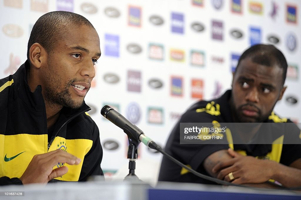 Brazil's football team player Maicon (L) answers questions next to teammate Grafite, during a press conference on June 5, 2010 in Johannesburg ahead of the start of the 2010 World Cup in South Africa.