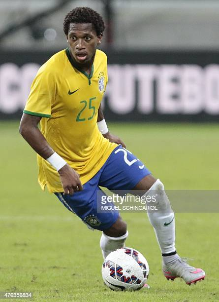 Brazil's Fred during a friendly match in preparation for Copa America Chile 2015 at Allianz Parque stadium in Sao Paulo Brazil on June 07 2015 AFP...