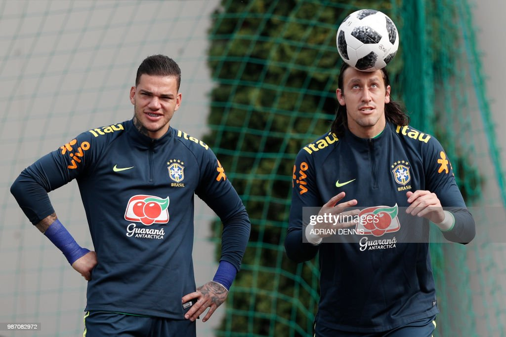 FBL-WC-2018-BRA-TRAINING : News Photo