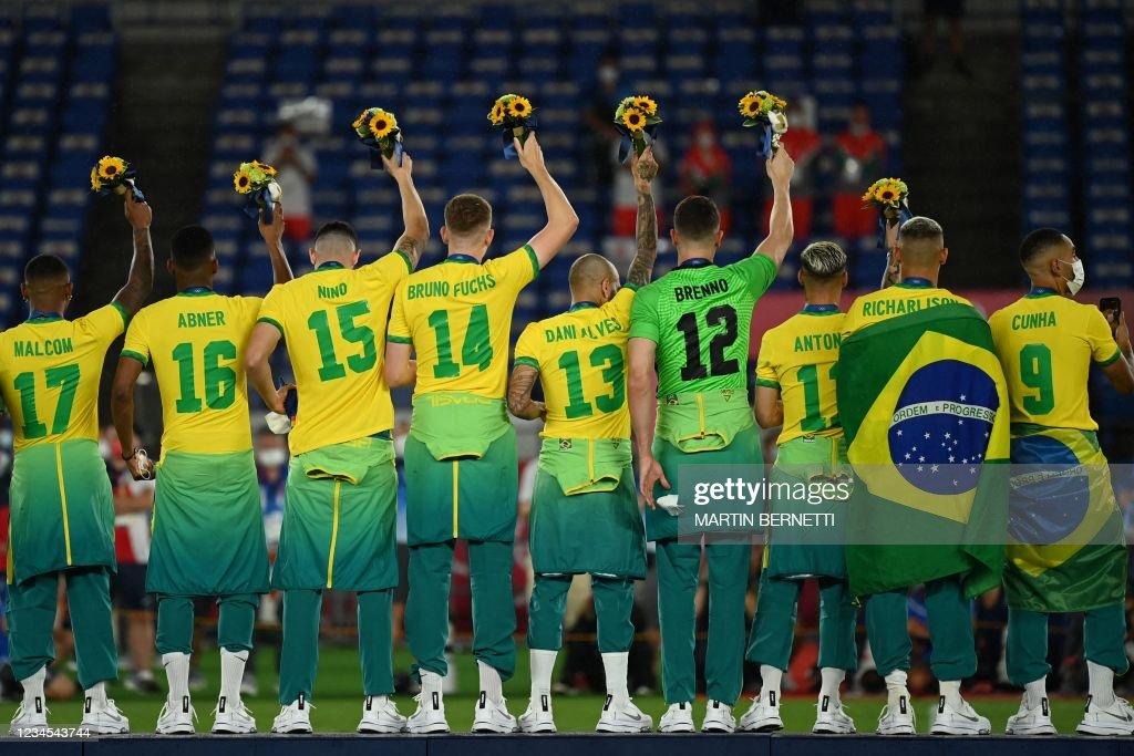 FOOTBALL-OLY-2020-2021-TOKYO-PODIUM : News Photo