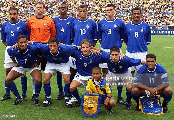 Brazil's national soccer team players pose for a group picture, 28 March 2001 in Quito, before their 2002 World Cup qualifying match against Ecuador....