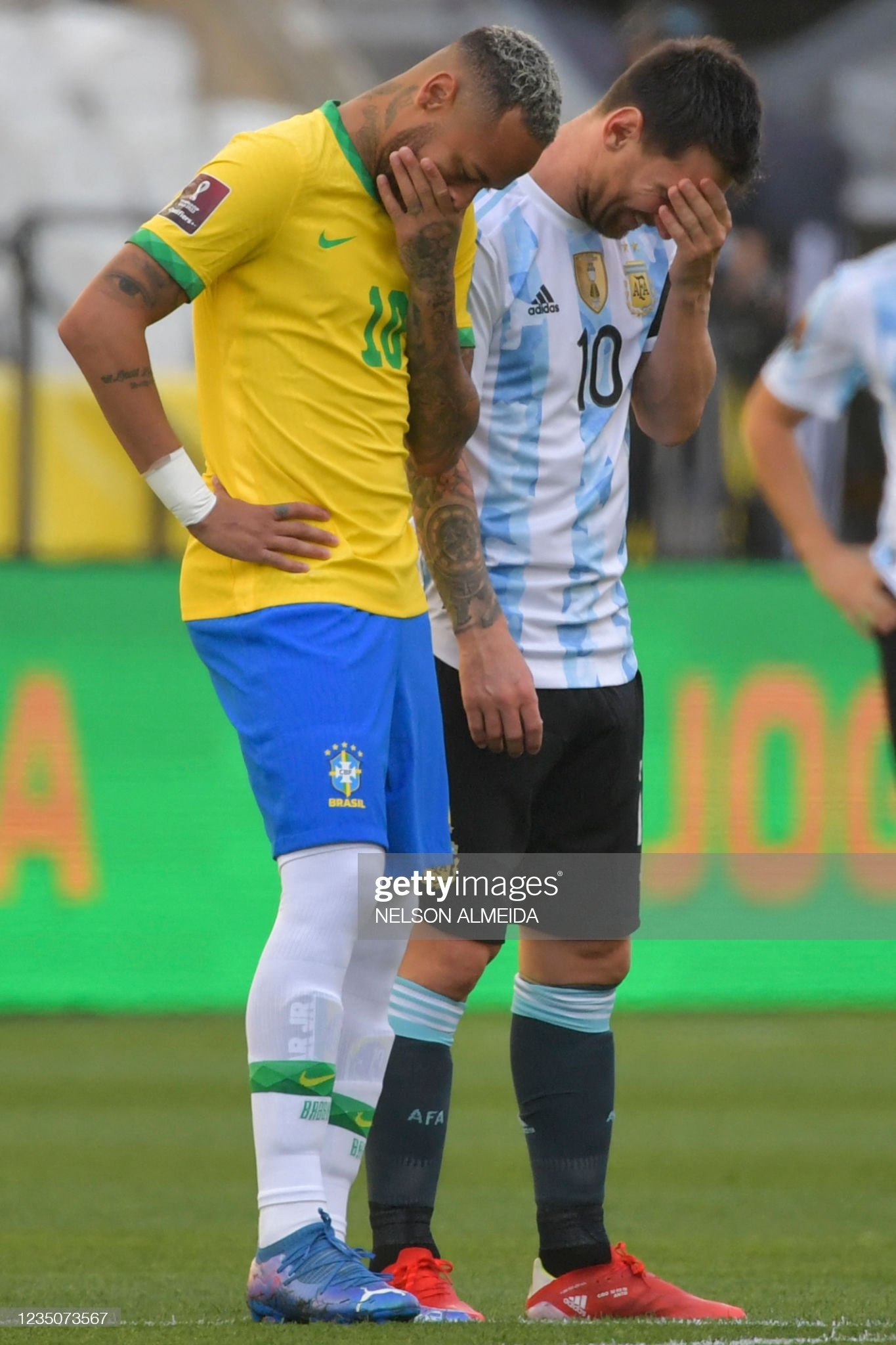 IMAGE(https://media.gettyimages.com/photos/brazils-neymar-and-argentinas-lionel-messi-talk-before-their-south-picture-id1235073567?s=2048x2048)