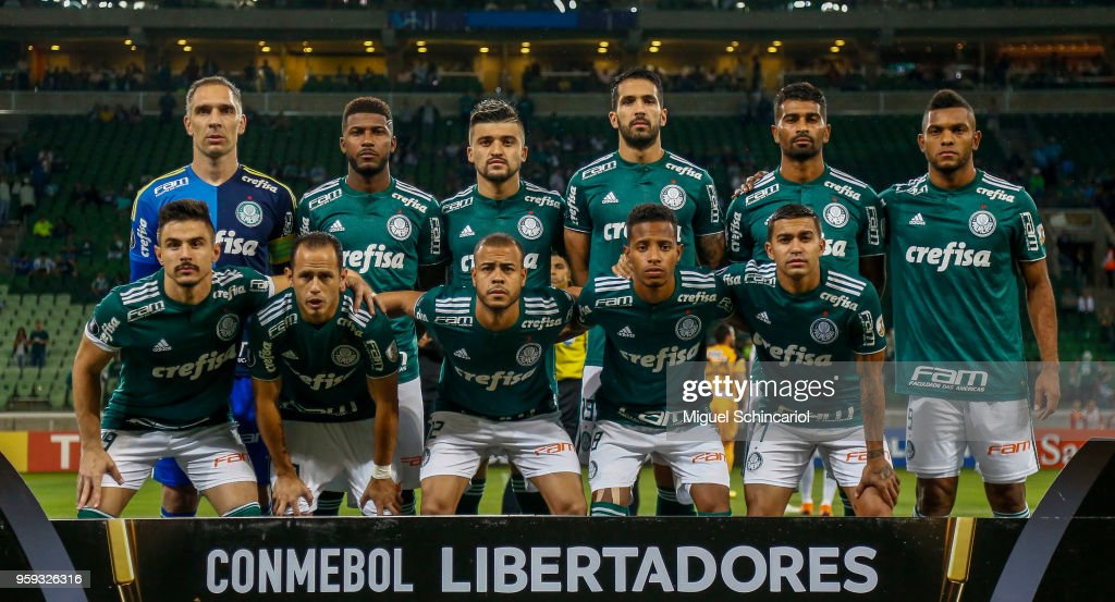 Brazil's Palmeiras team players poses before a match between Palmeiras and Junior Barranquilla for the Copa CONMEBOL Libertadores 2018 at Allianz Parque Stadium on May 16, 2018 in Sao Paulo, Brazil.