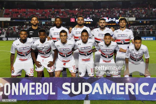 Brazil´s Sao Paulo team pose for pictures during their 2017 Copa Sudamericana football match against Argentina's Defensa y Justicia held at Morumbi...