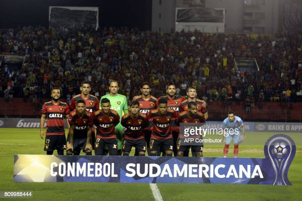 Brazil's Sport Recife football team poses before the start of their Copa Sudamericana football match against Argentina's Arsenal in Recife on July 6...