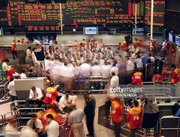 Brazil's stock traders negotiate during the morning session at the Mercantile Futures Exchange in Sao Paulo Brazil on September 30 2008 AFP...