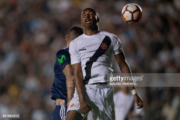 Brazil's Vasco da Gama player Frickson Erazo vies for the ball with Chile's Universidad de Chile player Mauricio Pinilla during 2018 Libertadores...