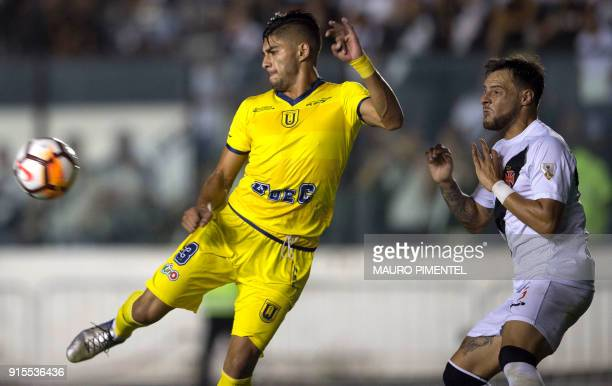 Brazil's Vasco da Gama player Leandro Desabato vies for the ball with Chile's Universidad Concepcion player Luis Riveros during their 2018...