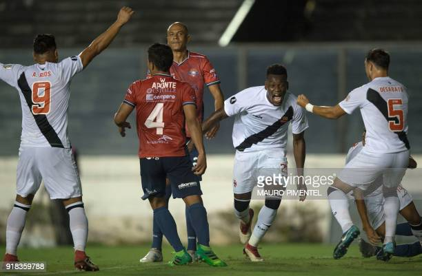 Brazil's Vasco da Gama player Paulao celebrates after scoring against Bolivia's Jorge Wilstermann during their Libertadores Cup football match at the...