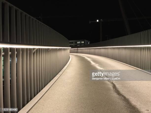 brücke in der nacht - nacht stock pictures, royalty-free photos & images