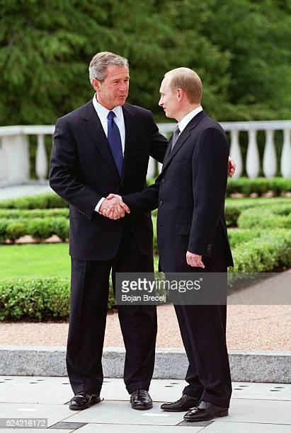 meeting between US President George WBush and Russian President Vladimir Putin