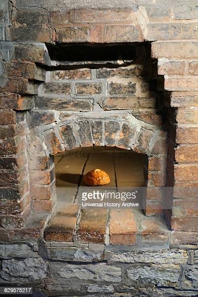 bread oven at Anne Hathaway's Cottage where Anne Hathaway the wife of William Shakespeare lived as a child StratforduponAvon England The earliest...